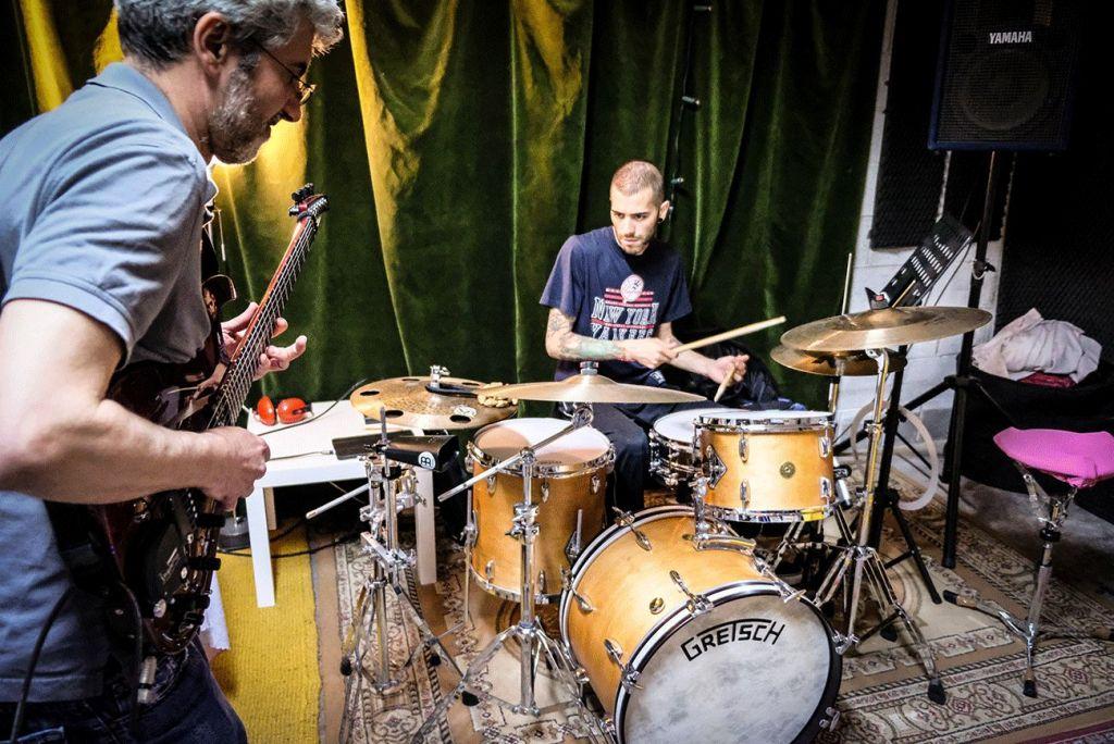 Bandcoaching an Musikschulen – So wird Musikern geholfen